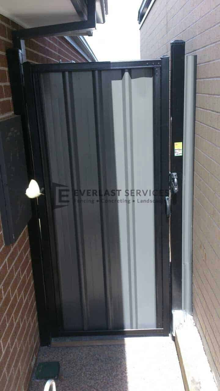 SS2 - Black Frame with Grey Colourbond Single Gate
