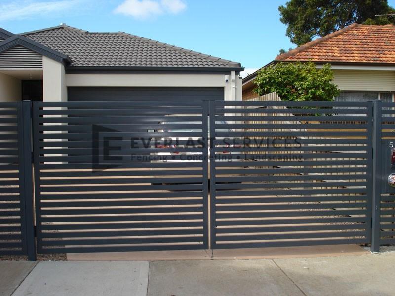 AD7 - Horizontal Steel Slats Double Gate