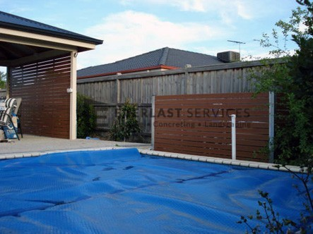 SP3 - Horizontal Slat Pool Fencing