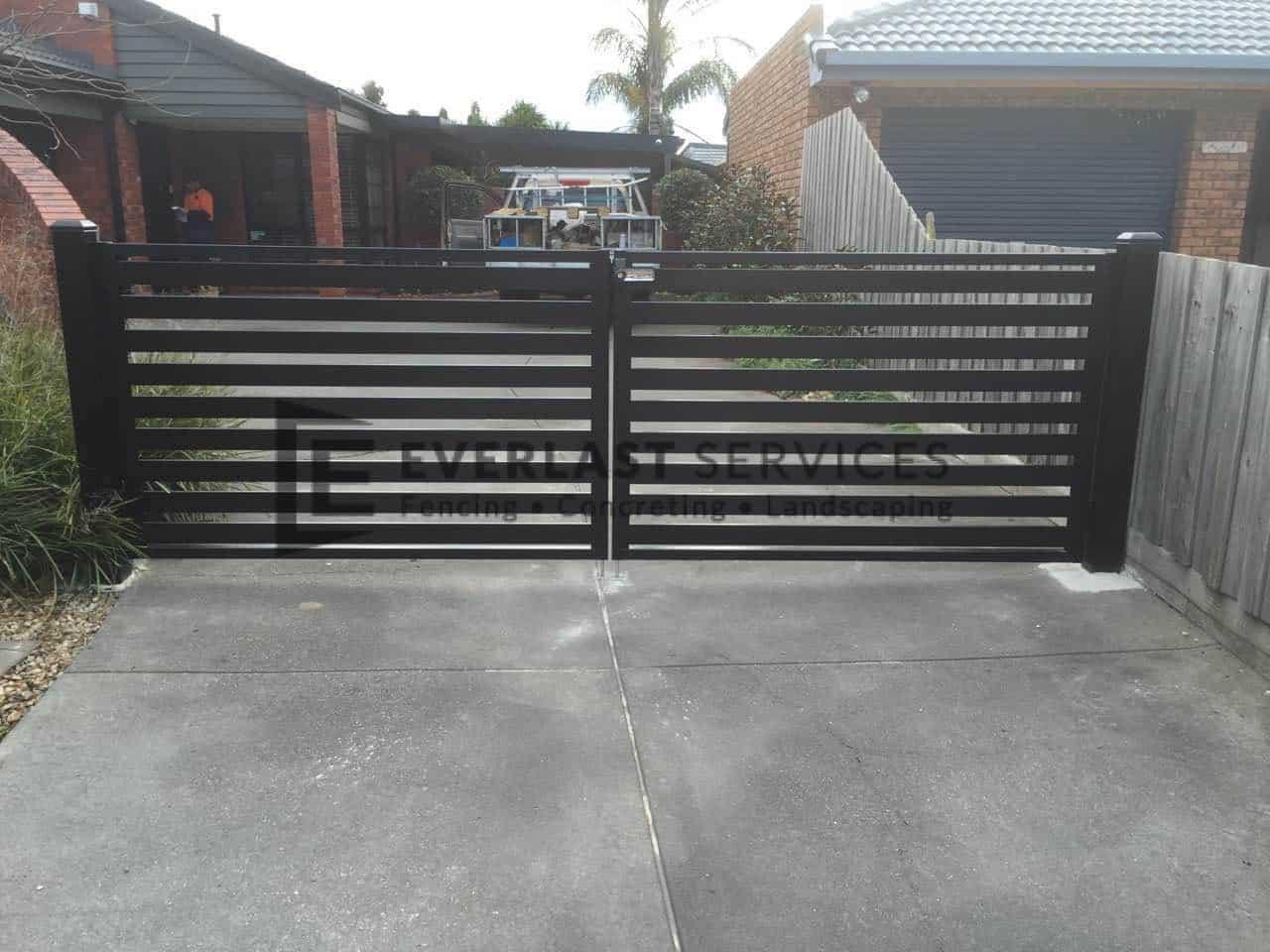 DG20 - Black Horizontal Slats Driveway Gate