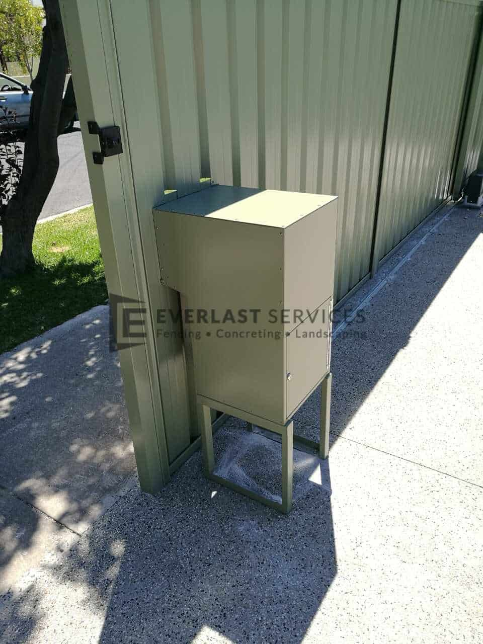 FS71 - Ezy Eze Mailbox