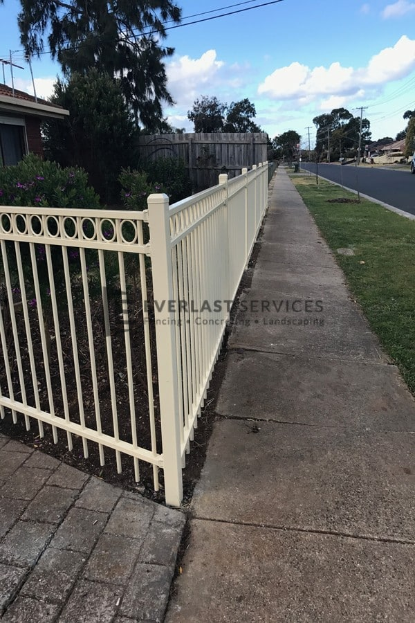 SF147 - Primrose Oxley Ring Driveway Fence