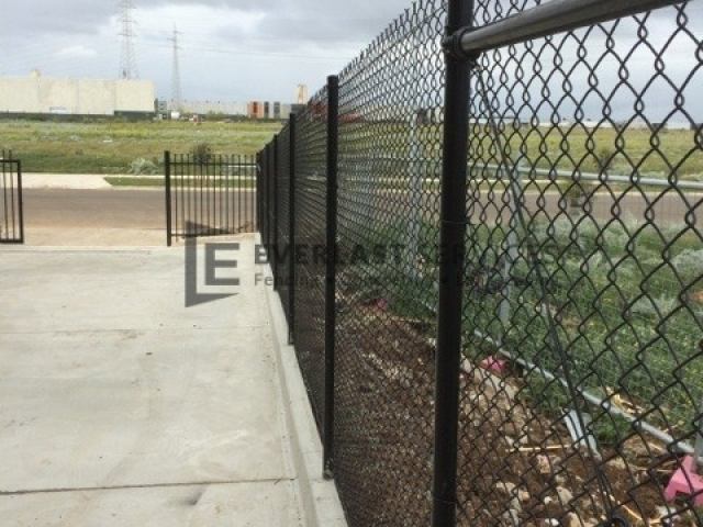 IS1 - Chainmesh Security Fencing