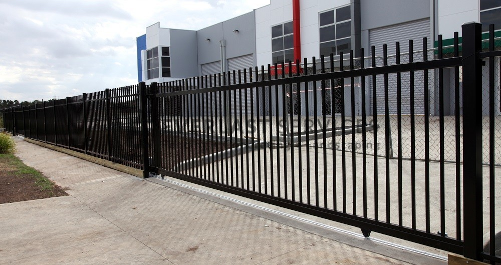 IS5 - Motorised Square Rod Top Sliding Gate