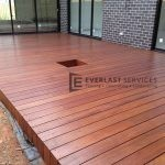 T13 - Frameless Timber Decking with Plant Hole