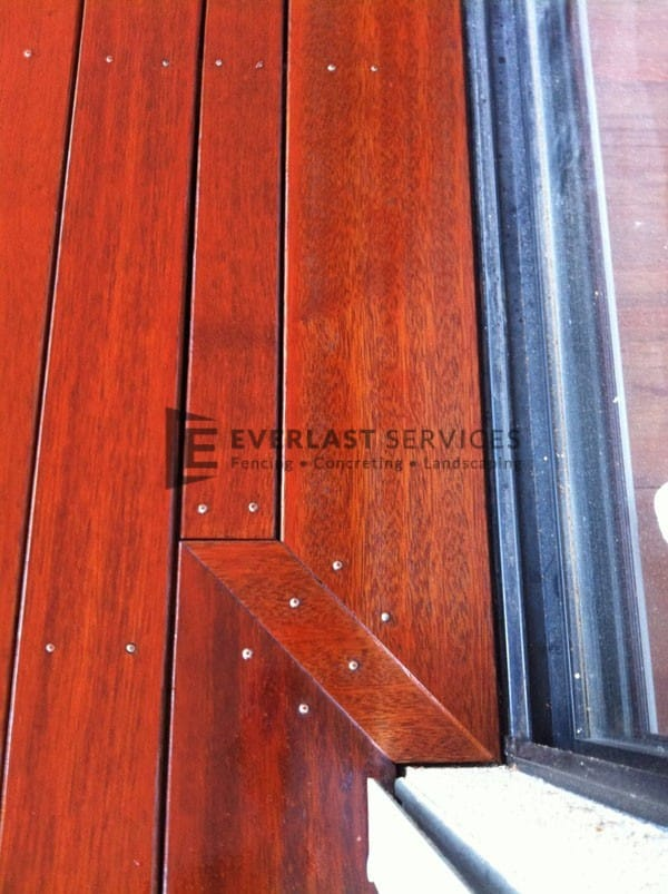 T21 - Corner Joints Timber Decking