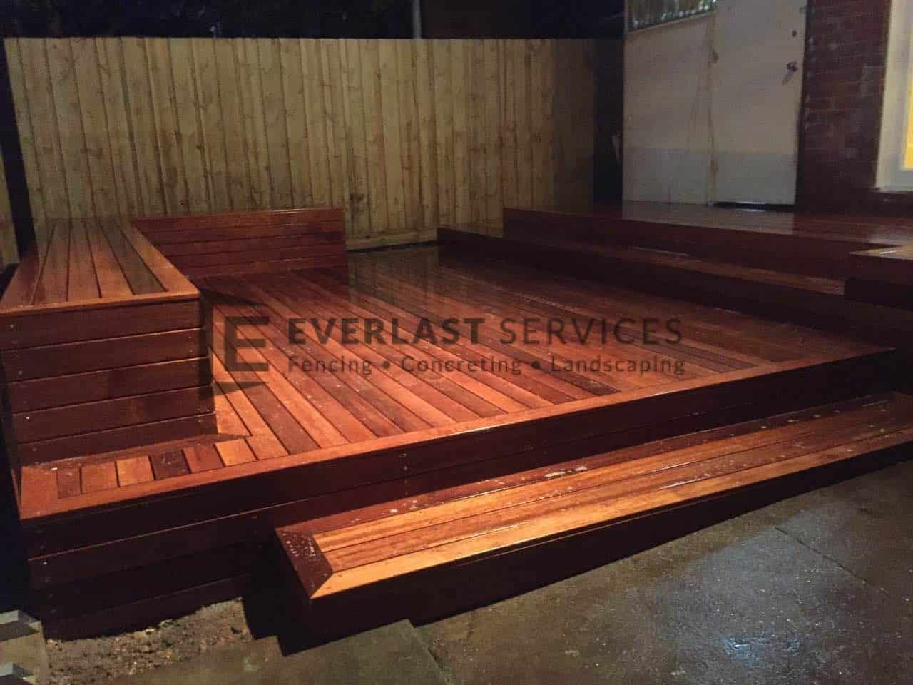 T52 - Merbau Decking with Bench Seats and Steps