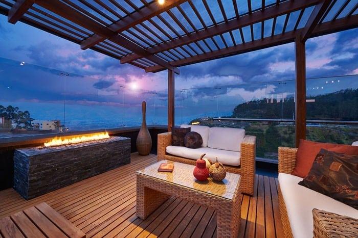T32 - Outdoor patio decking