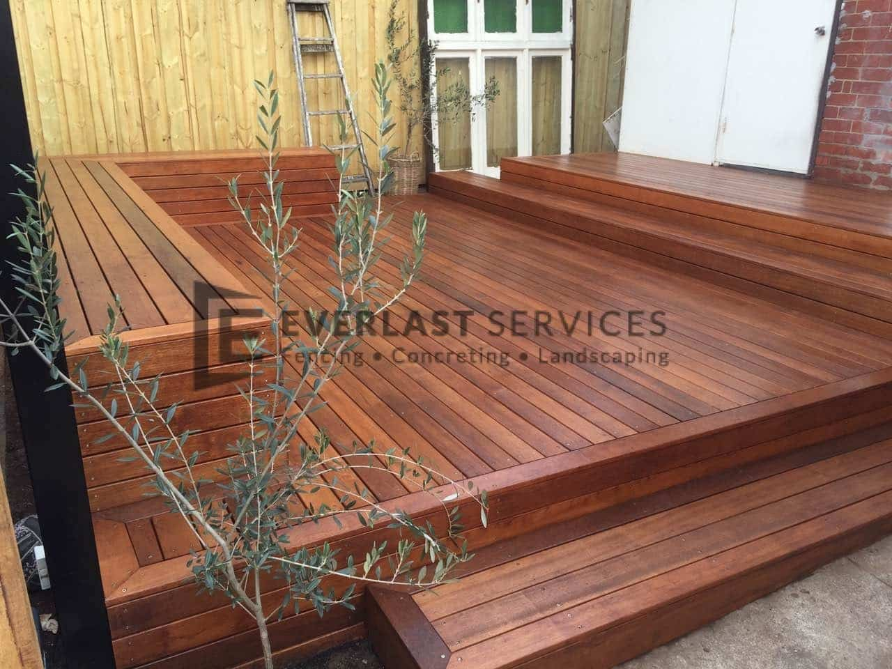 T53 - Merbau Decking with Bench Seats