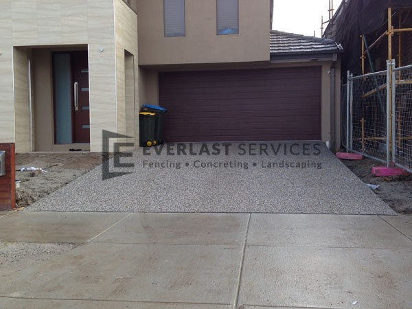 EA55 - Exposed Aggregate Driveway