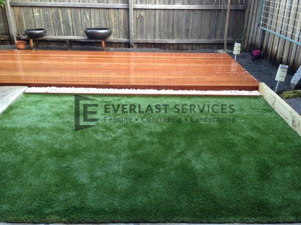 L23 - Premium Green Synthetic Grass