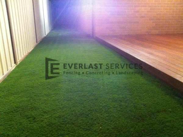 L29 - Turf and Timber Decking