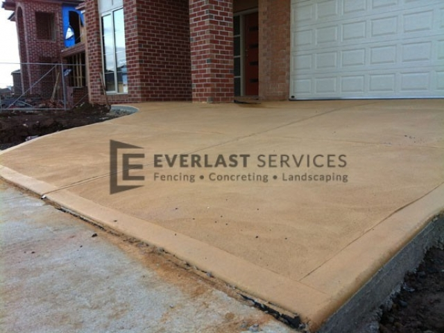 CC1 - Sand Coloured Concrete Driveway