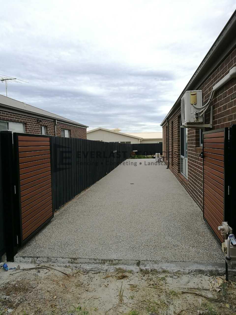 EA13 - Slats Double Gate + Exposed Aggregate Concrete