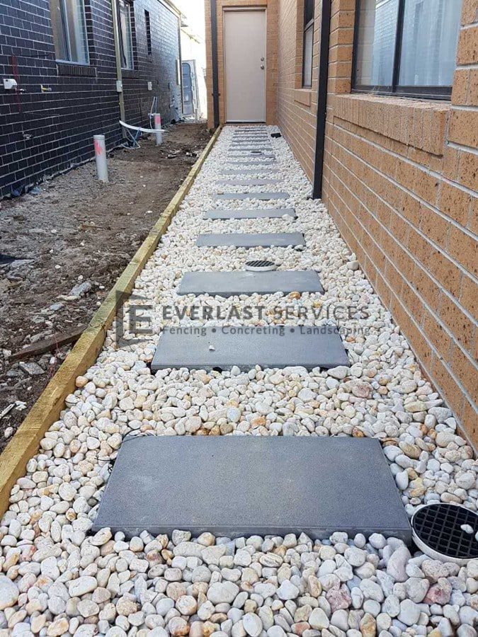 L119 - Stepping Stone White Pebbles Landscaping