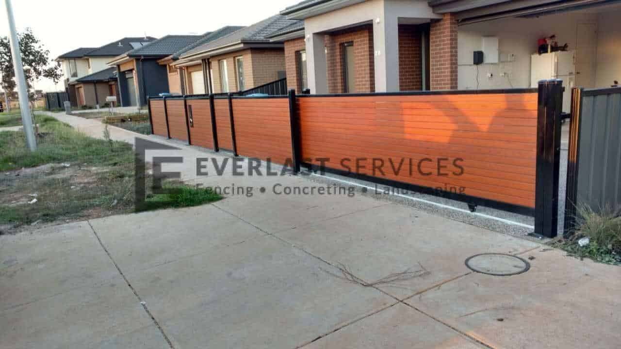 DG35 - Slats Double Sliding Gate
