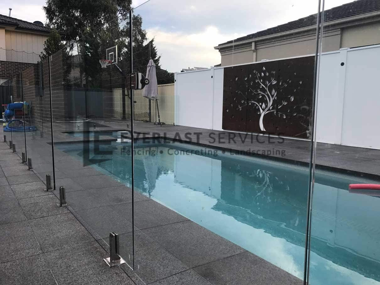GF11 - Glass Pool Fencing + Swimming Pool + Modular Walls