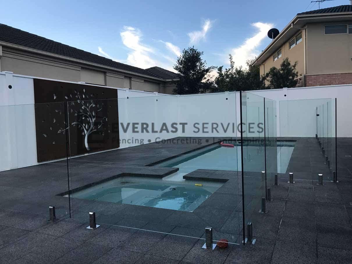 MW8 - Glass Pool Fencing + Swimming Pool + Modular Walls