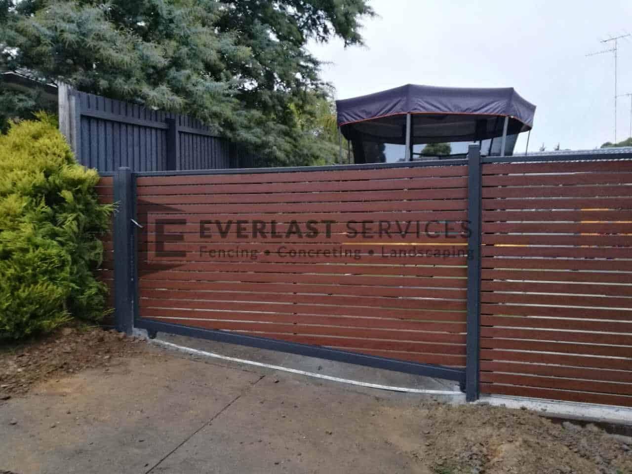SG56 - Kawila Slats Sliding Entry Gate