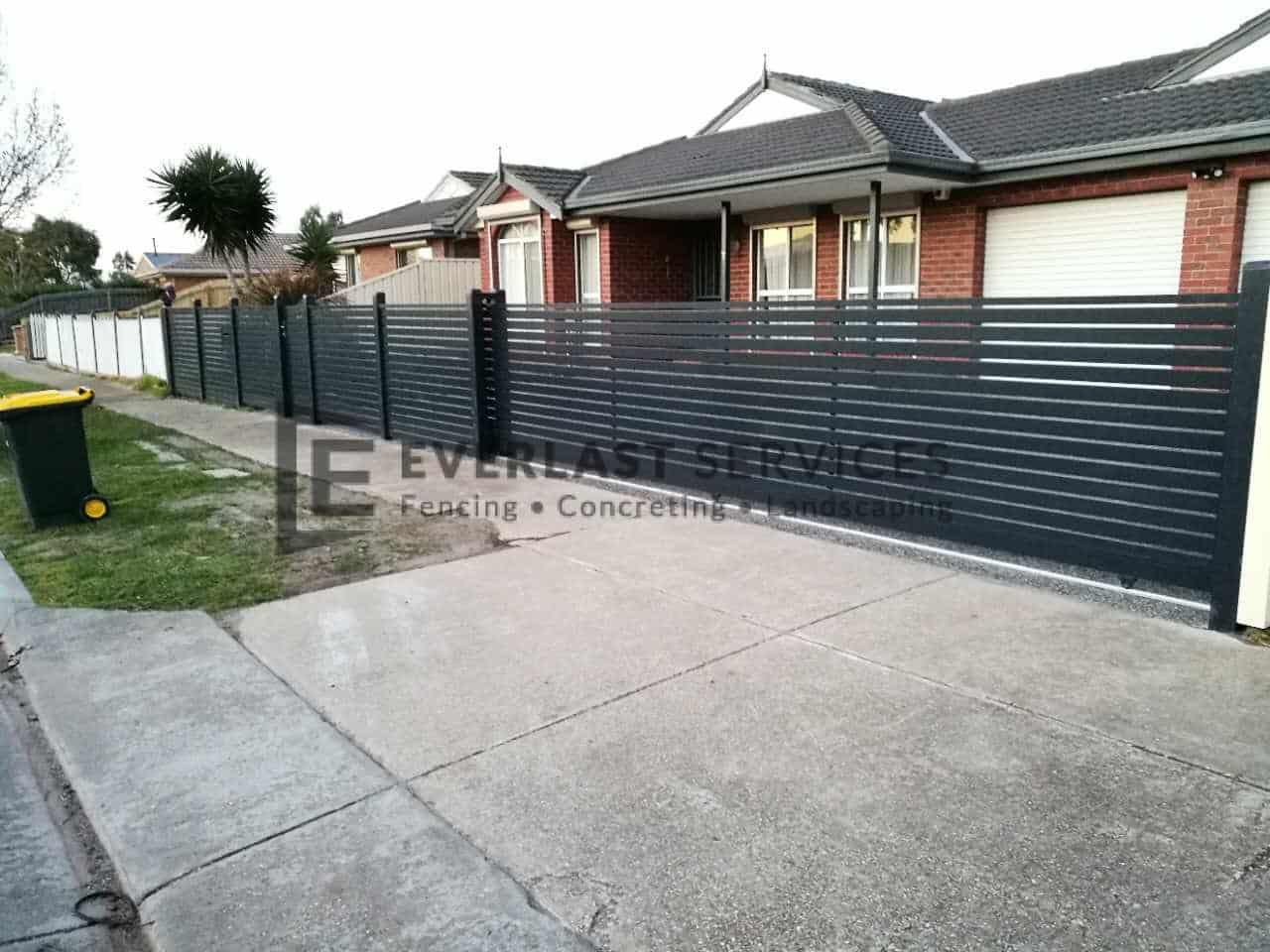 SG64 - Aluminium Slats Sliding Gate