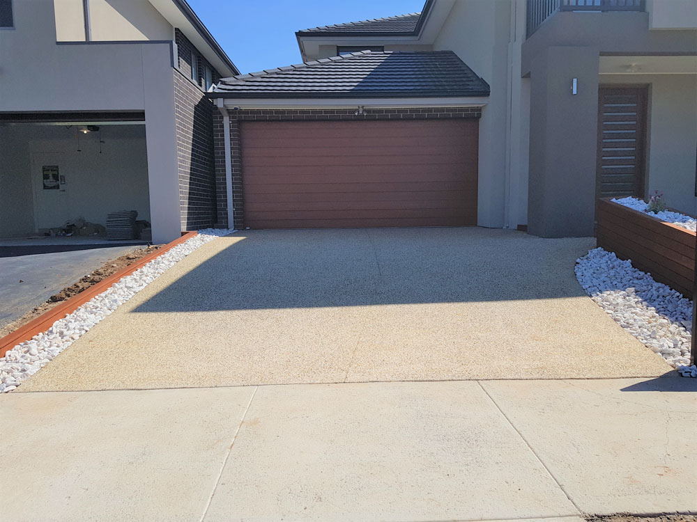 EA55 - Type 7 Exposed Aggregate Driveway