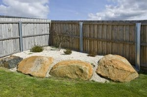 How to install fence palings