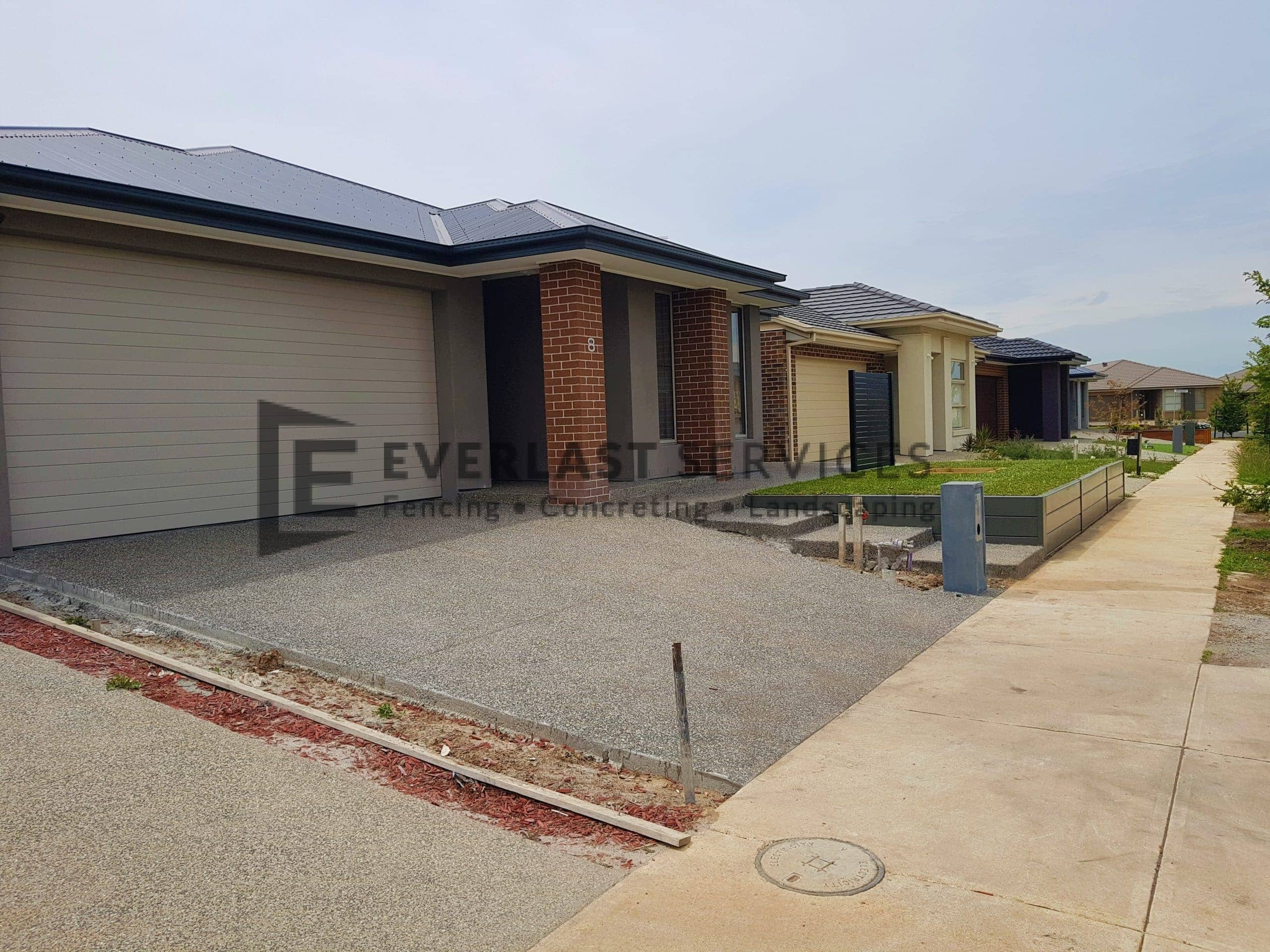EA85 - Exposed Aggregate Driveway with Steps