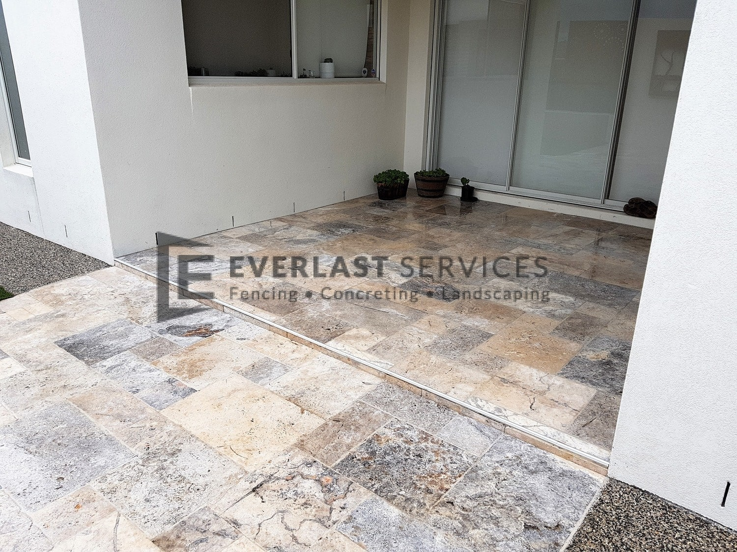 L214 - French Travertine Paving
