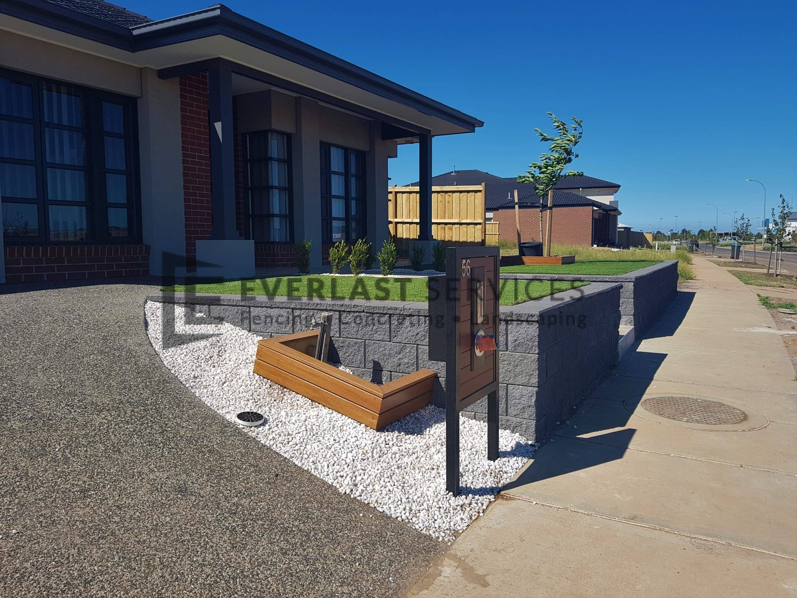 EA86 - Exposed Aggregate Driveway