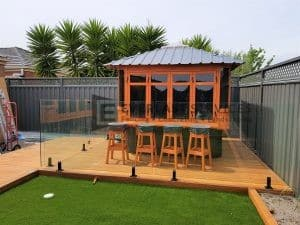 GF20 - Glass Fencing with Spa