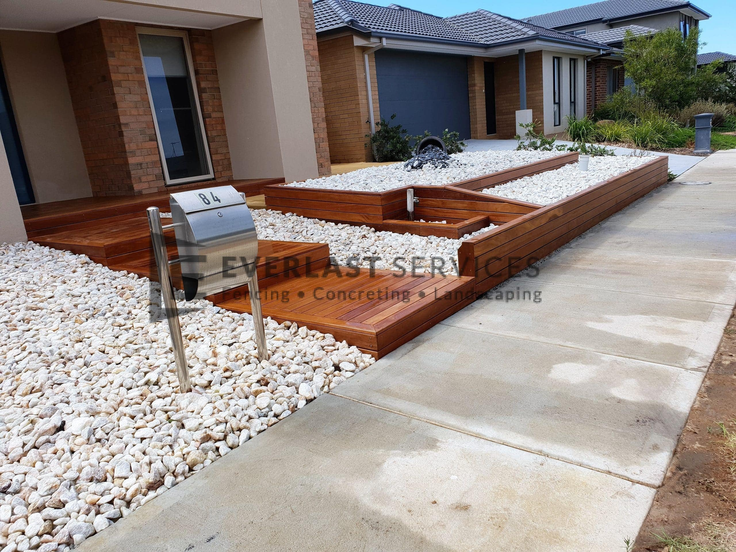 L228 - Decking Steps with Decking Retaining Wall