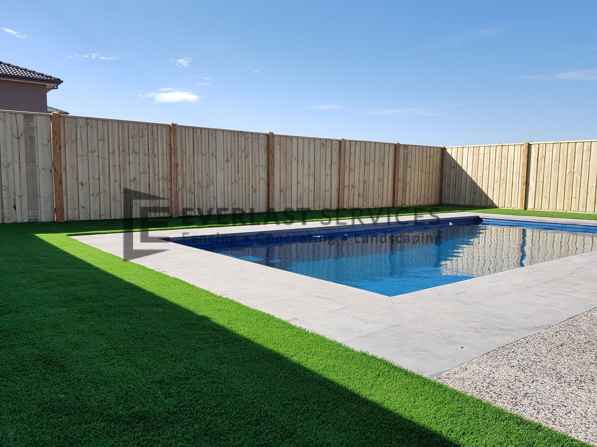 L241 - Bluestone-Coping-Synthetic-Grass-Pool-Landscaping