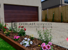 L269 – Point Cook – Driveway and garden bed