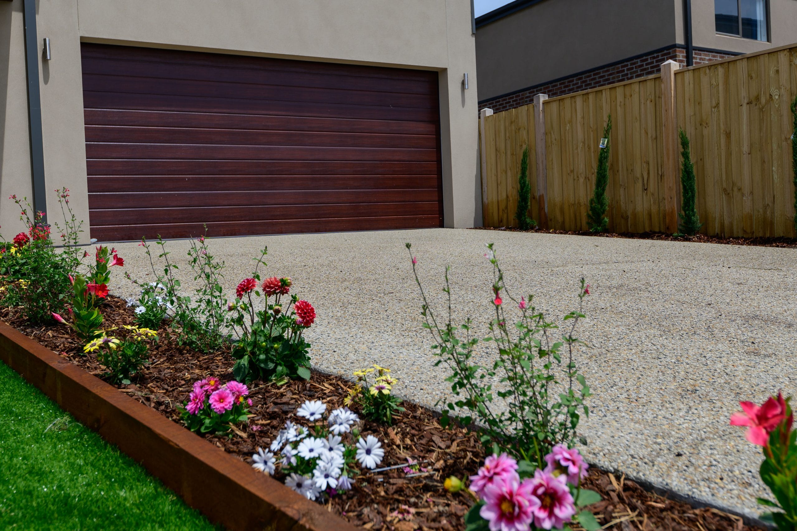 L269 - Point Cook - Driveway and garden bed