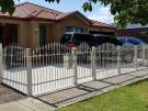 SF182 – Steel Fencing on corner block
