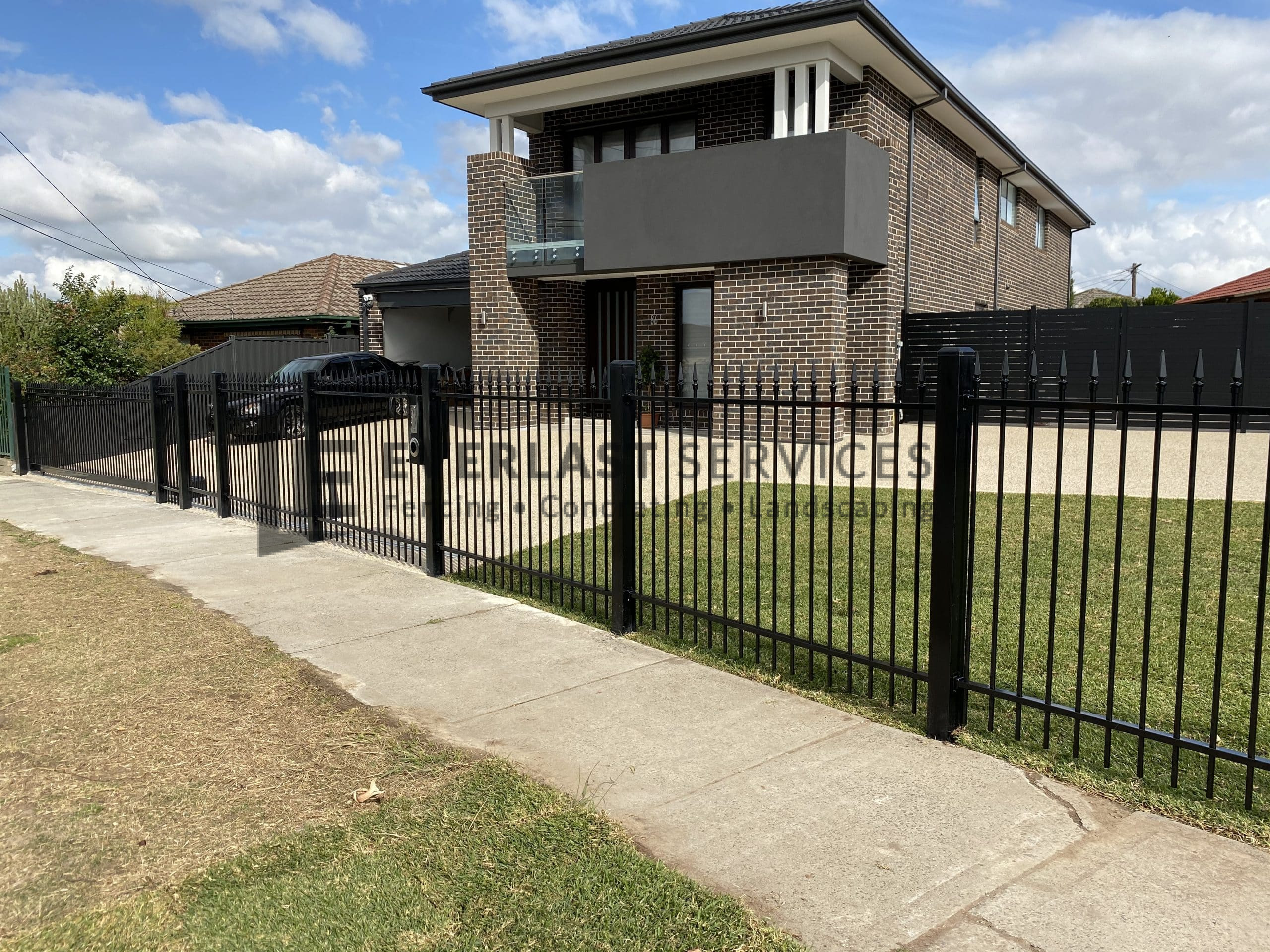 SF184 - Everlast-Services-Steel-Fencing