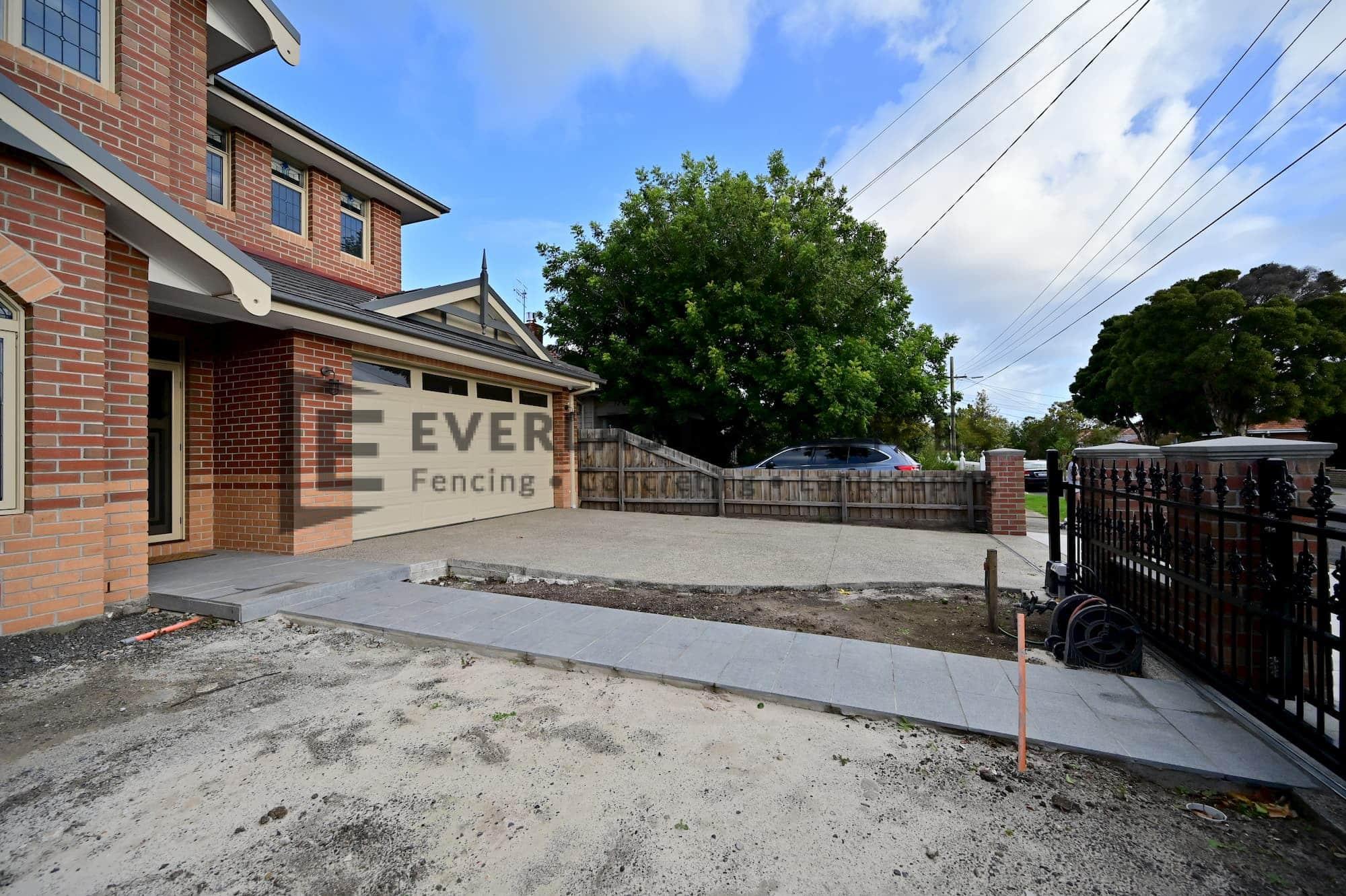 PLC11 - Yarraville - Concrete Driveway