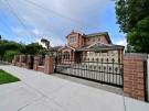 SF187 – Yarraville – Steel Sliding Gate on Driveway