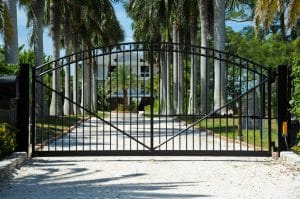 features-to-look-for-when-choosing-a-security-gate