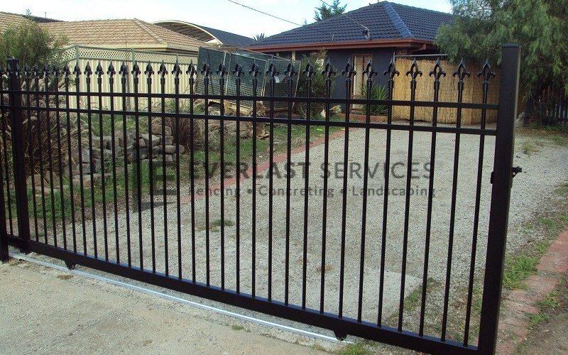 SG22 - Black Level Oxley Spear Steel Sliding Gate - Melbourne