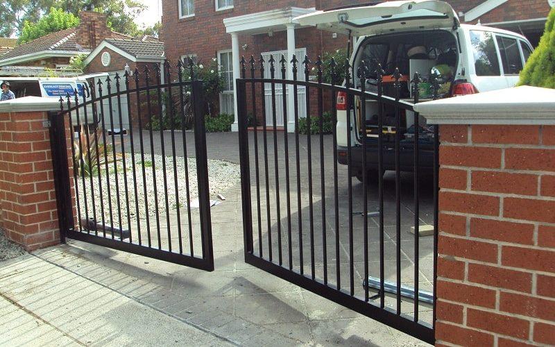 Automated driveway gates